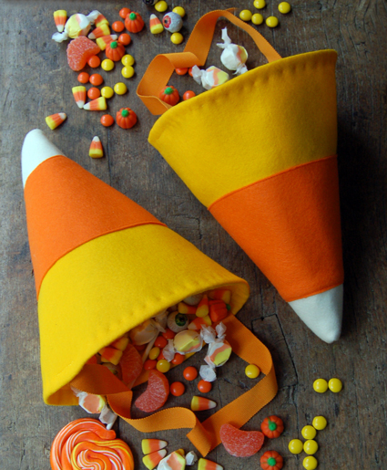 DIY-Candy-Corn-Treat-Bags-for-Halloween